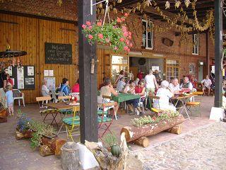 Der Röhlsche Hof - Bildungs- und Erlebnisbauernhof in Wallwitz in Sachsen-Anhalt - Brotbacktage 2007-3