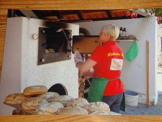 Der Röhlsche Hof - Bildungs- und Erlebnisbauernhof in Wallwitz in Sachsen-Anhalt - Brotbacktage 2011-2