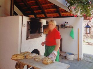 Der Röhlsche Hof - Bildungs- und Erlebnisbauernhof in Wallwitz in Sachsen-Anhalt - Brotbacktage 2011-3